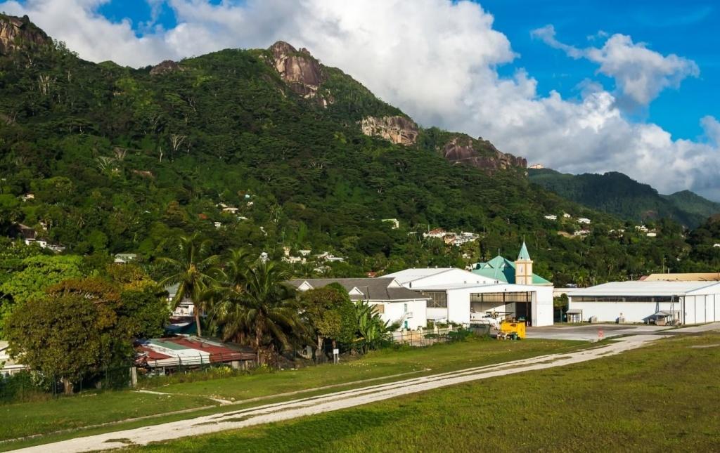 seychelles roads